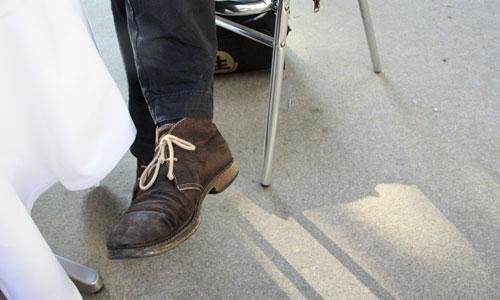 Die Schuhe von Sven Regener während des Interviews